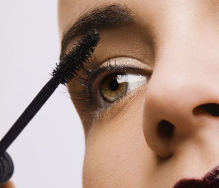 Promozione: Mascara per extension di ciglia - senza olio