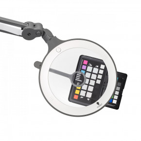 Lampada iQ-Magnifier LED con lente di ingrandimento di x1,75 volte, lente a 12 diottrie del braccio orientabile e 60 bulbi LED ultra-luminosi a luce diurna